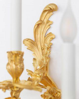Perfect Details ✨ - 📸: @davidmeignan . . . #luxuryhome #lightdesigner #paris #delisleparis #bespokelighting #interiordesign #lighting #chandelier #lustre #savoirfaire #bronze #surmesure