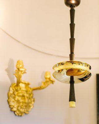 Papyrus Collection designed by @nicolas_aubagnac at our parisian showroom 📸: @oliverflyphotography . . . #luxuryhome #lightdesigner #paris #delisleparis #bespokelighting #interiordesign #lighting #chandelier #lustre #savoirfaire #bronze #artdesign #surmesure #papyrus #nicolasaubagnac